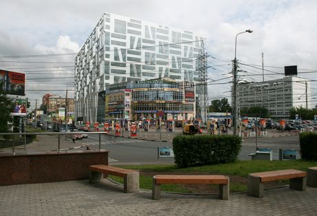 Shopping and cultural centre on Barklaya str.